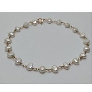 "Jewelry - 8"" Estate 14k Gold Cultured Pearl Bracelet"